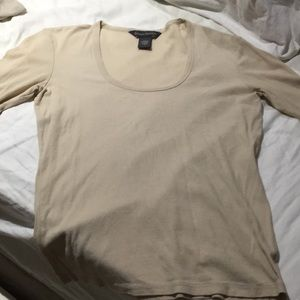 Banana Republic tan T-shirt scoop neck S worn once